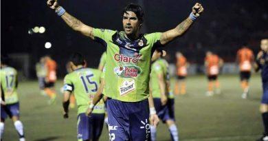 El Loco Abreu será el nuevo entrenador del Santa Tecla FC.